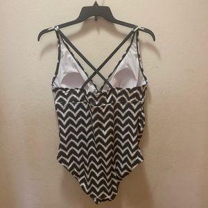 Liz Lange Swim - Liz Lange Maternity Swimsuit
